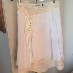 White skirt w off white lace trim